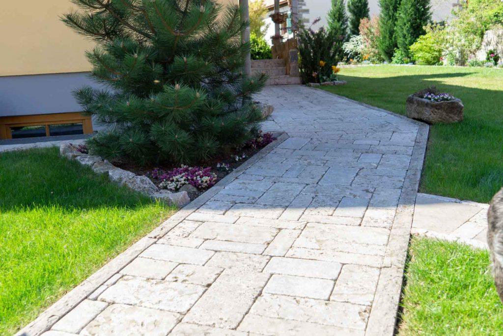 Terrasse und Wege Steinsetzung